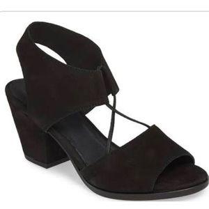 NEW! Eileen Fisher Doe Black Nubuck Heels -Size 7